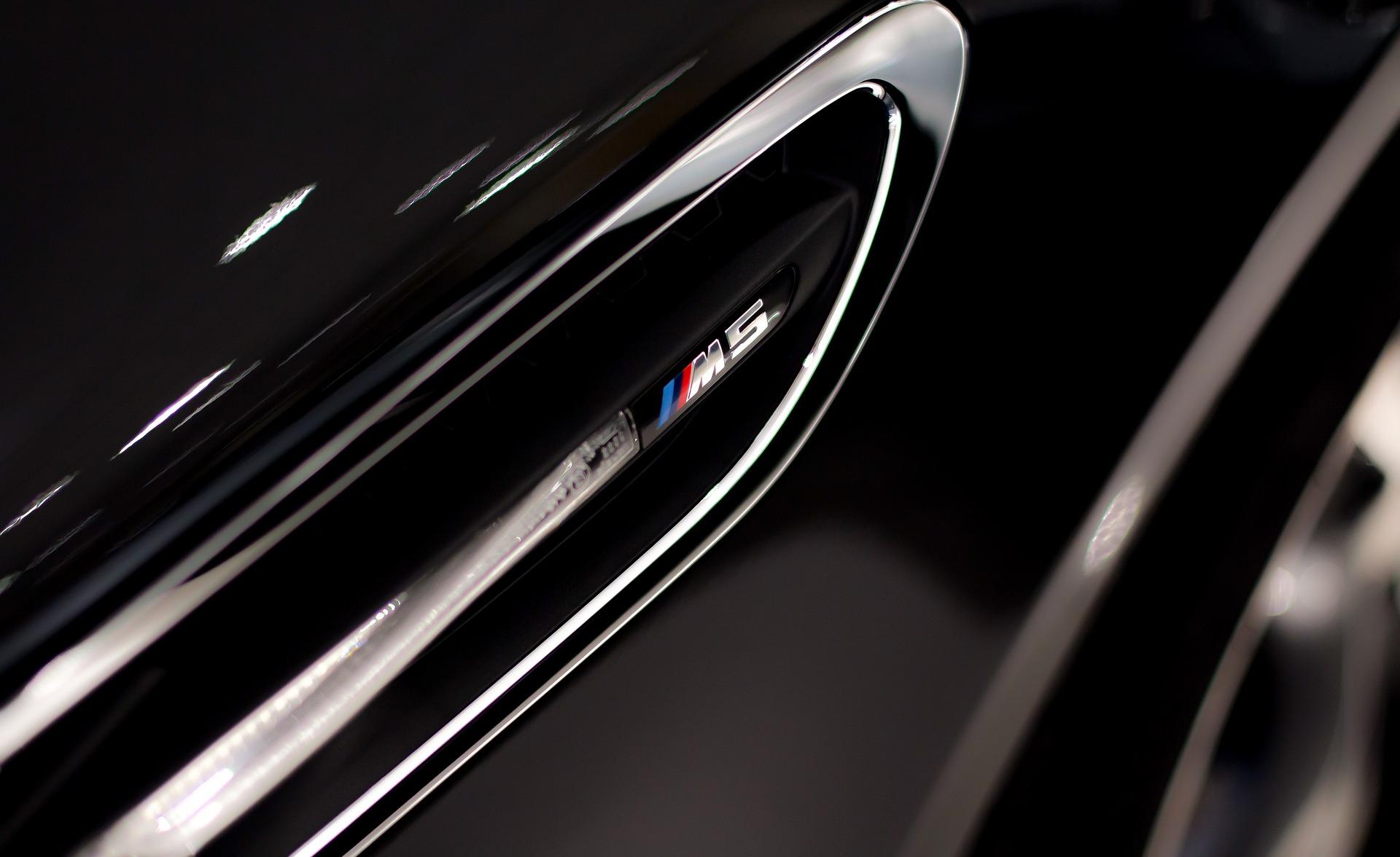 BMW M5 cheiro de luxo